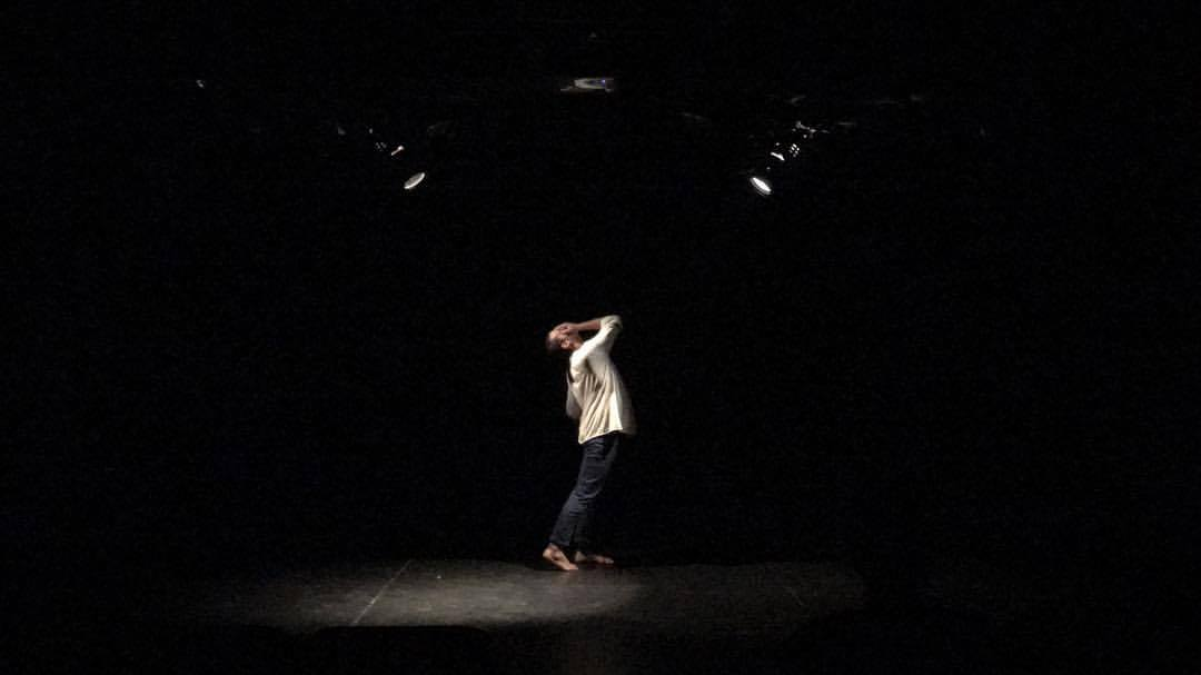 collected things (2017) - a choreographed improvisational structure that explores spectrums and stories. collecting as much information on impulse, one body constructs a narrative in a repetitive cycle of vulnerability and secrecy.