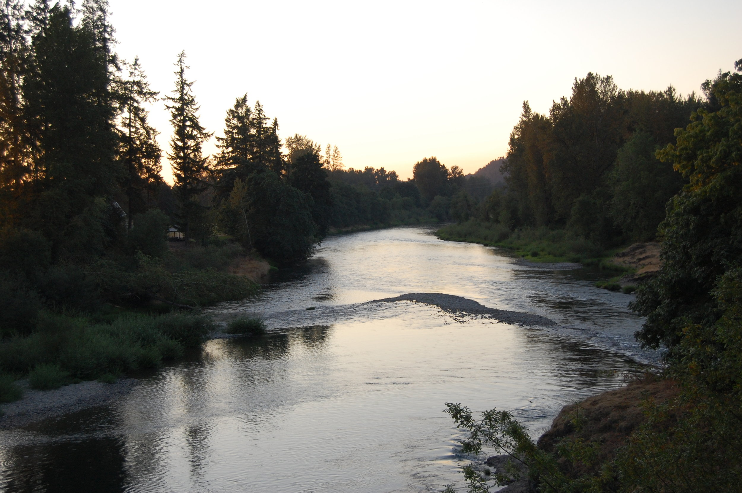 The beautiful Santiam River, between the towns o Sweet Home and Lebanon in the foothills of he Cascades. Early life was all around this river.