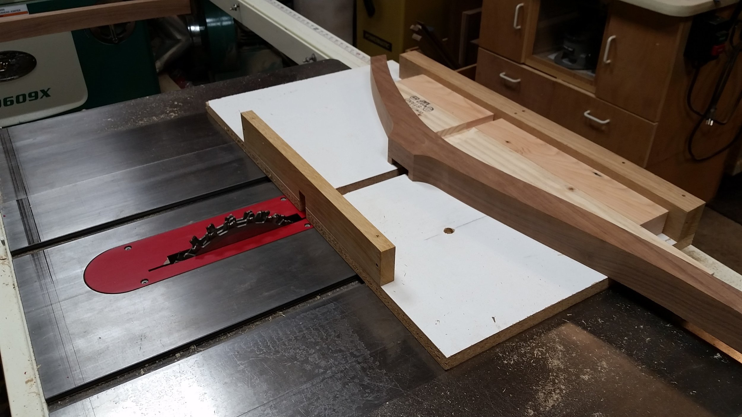 Another view of the rear leg on the dado sled.