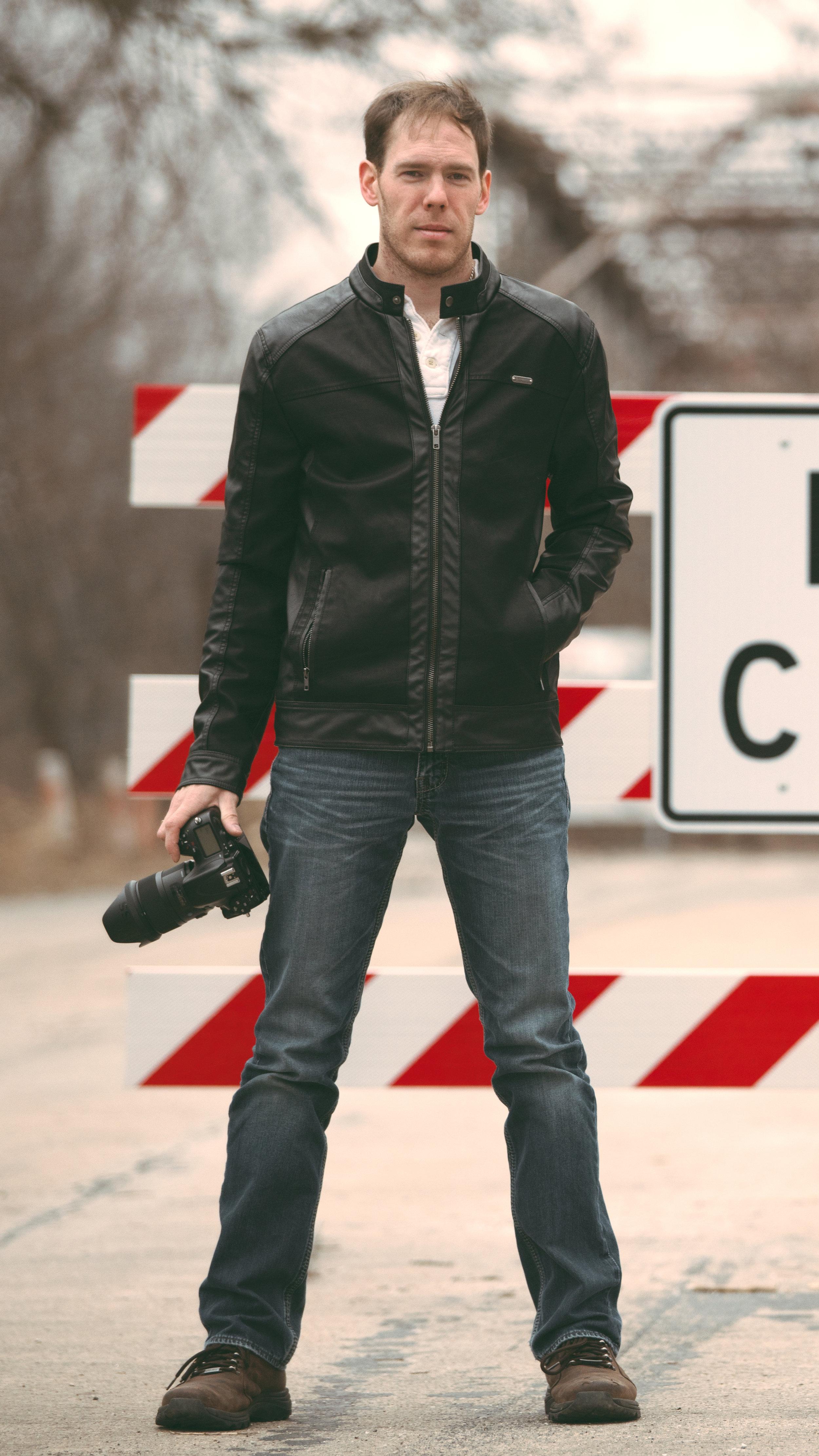 Tyler-Profile-Photographer(16_9-Thumbnail).jpg