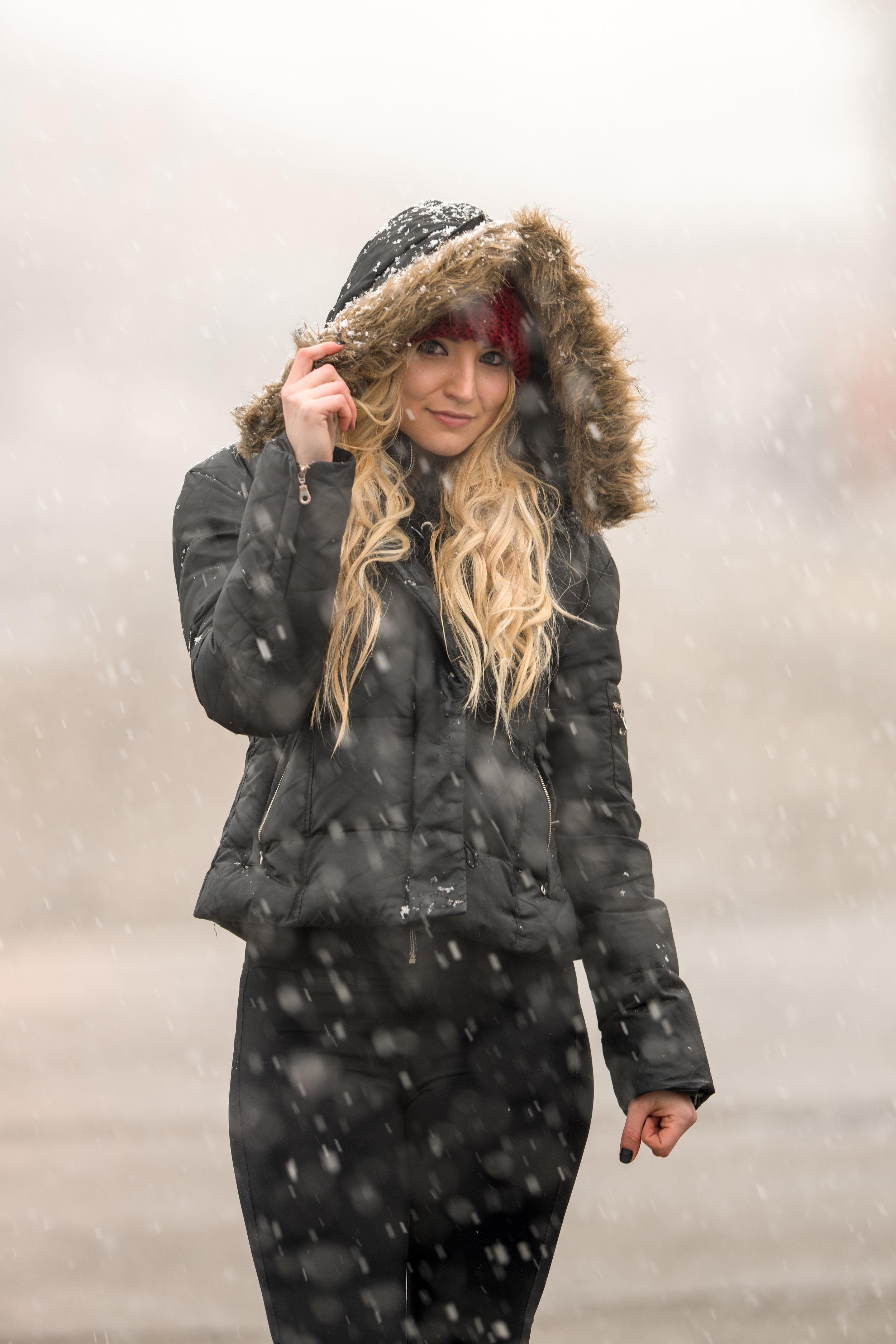 Kaereilly Snow Shoot_ (1).jpg