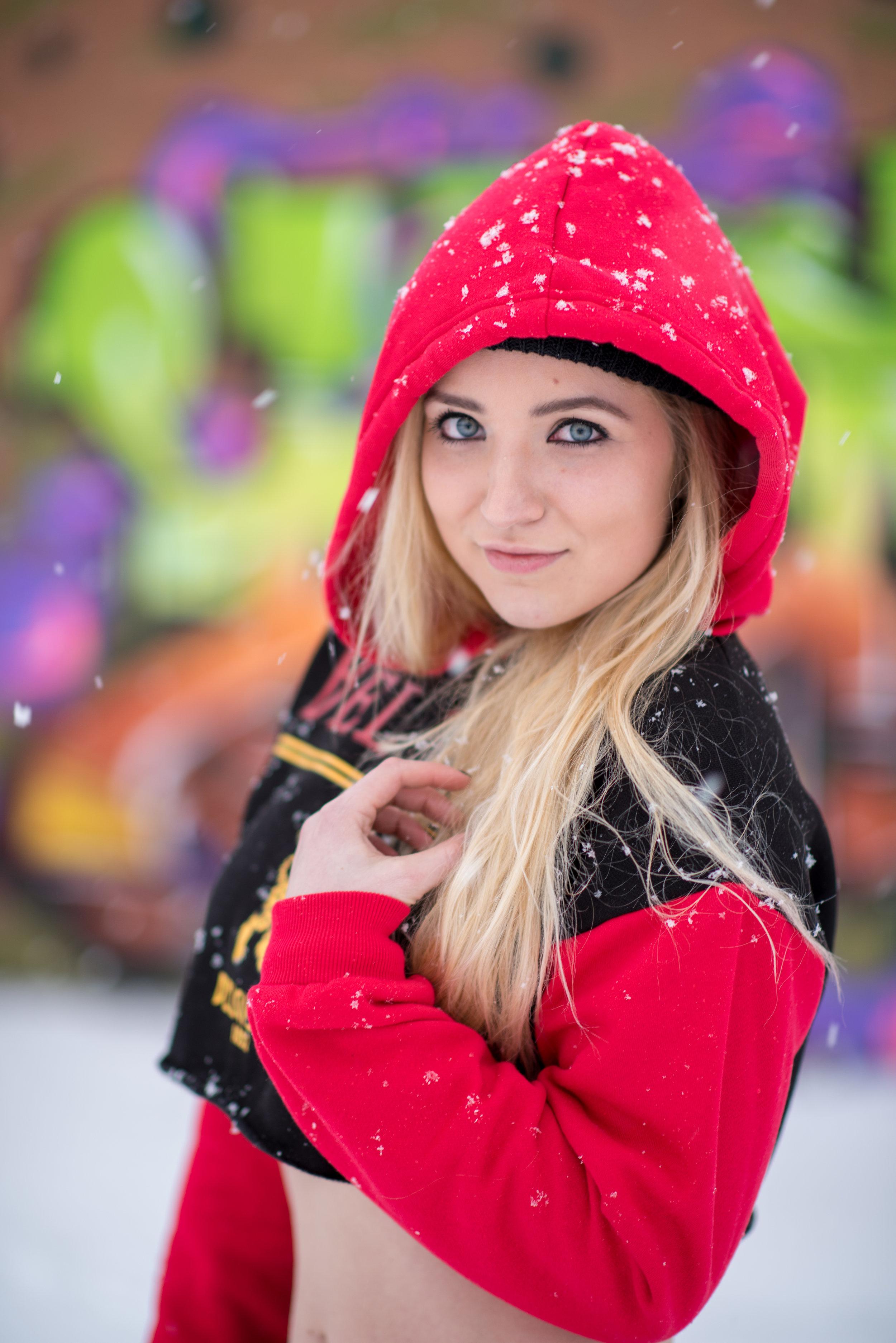 Tyler Harney Photography-Kaereilly Snow Shoot_ (13).jpg