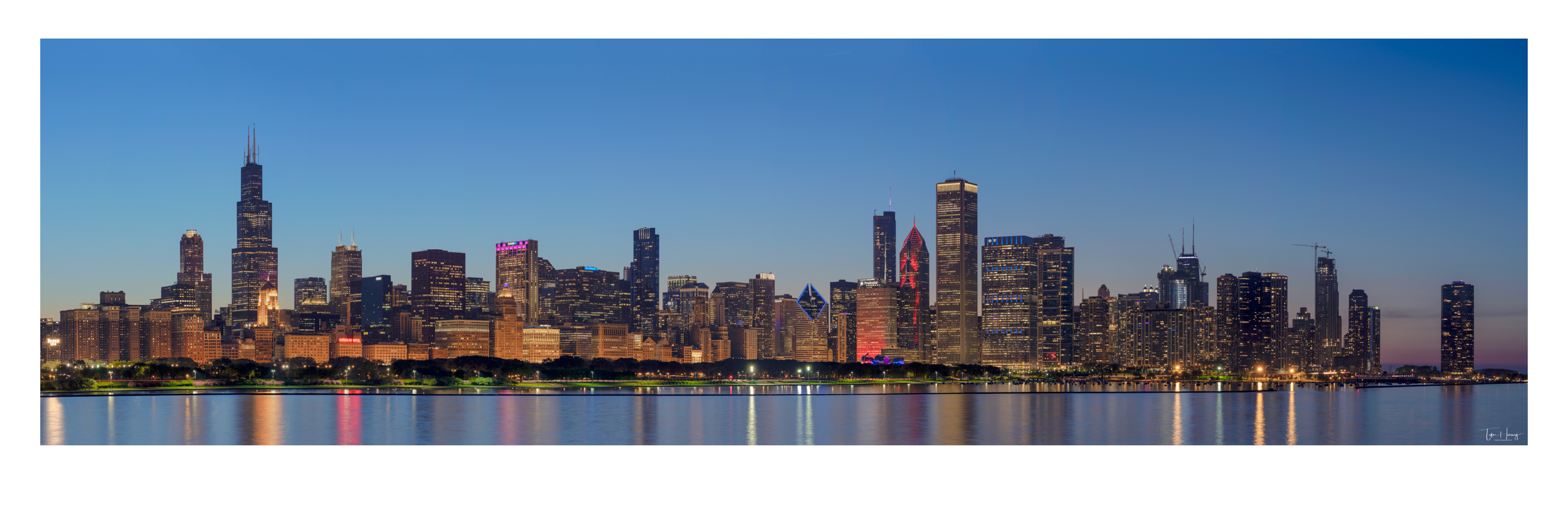Chicago Skyline Sunset Panorama 5-23-2018.jpg