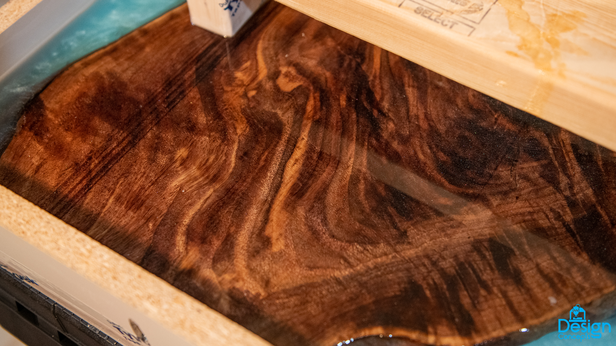 Epoxy Resin Table for Amy (4 of 10).jpg