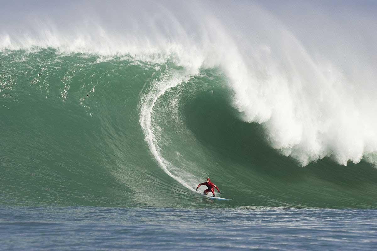 DK on big wave.jpg
