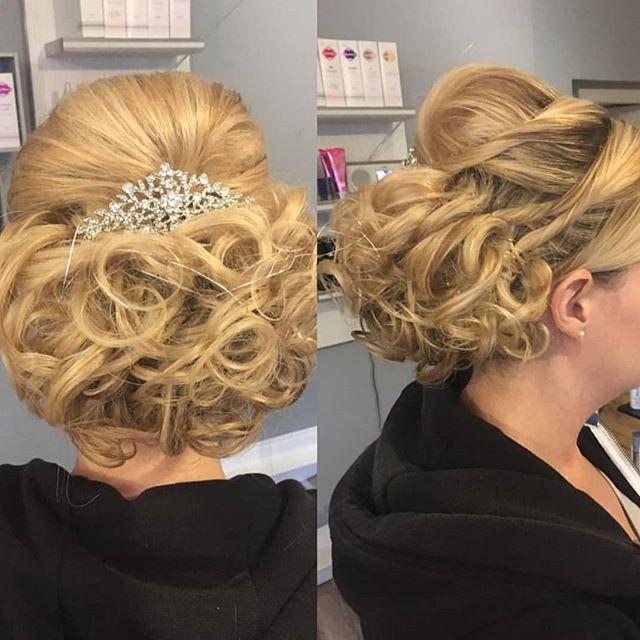 B R I D A L  H A I R . . . .  by Laura Christie 👰  #falkirkbrides #hairupdo #metimefalkirk #eleganthair #falkirkweddings #beautifulbride