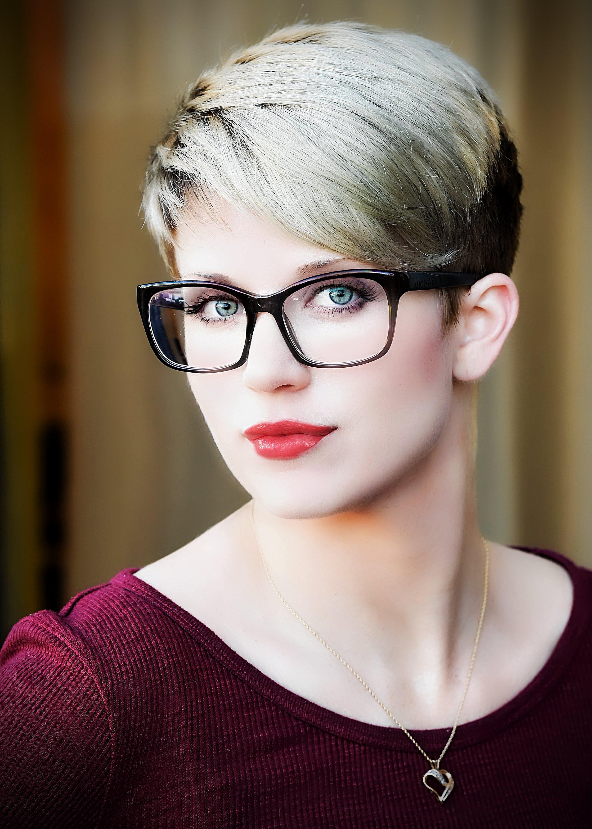 Danelle_Mar17-0361-edit_pp-mu1+hair_pp_pe-modelglow2-portraitenhance-landscapegradientvignette.jpg