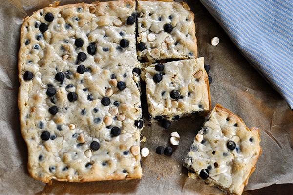 Cookies and Cream Blondies_sliced 2.jpg