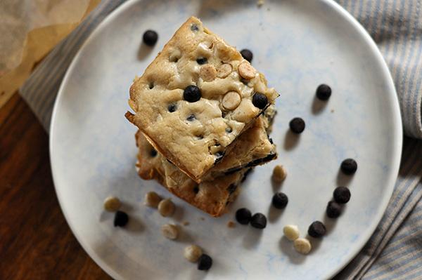Cookies and Cream Blondies_Top View.jpg