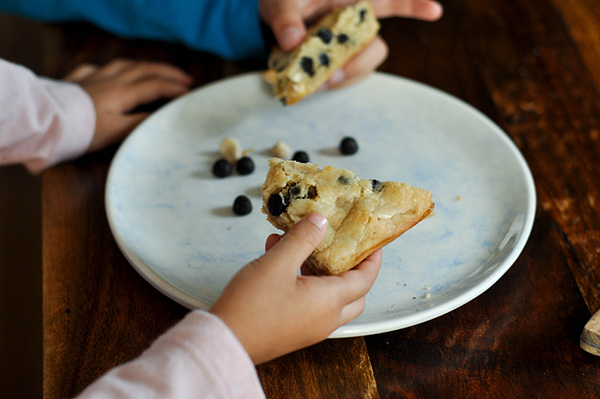 Cookies and Cream Blondies_kids hands.jpg
