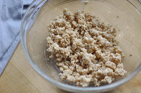 Amaretti Plum Crunch Cake_Amaretti crunch-0018.jpg