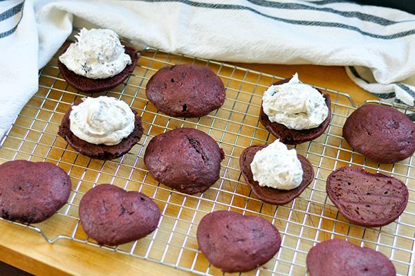 Red Velvet Cookies and Cream Whoopie Pies_frosting-0030.jpg