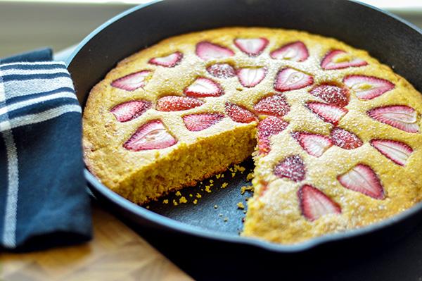 Strawberry Cornmeal Skillet Cake_whole slice-0064.jpg