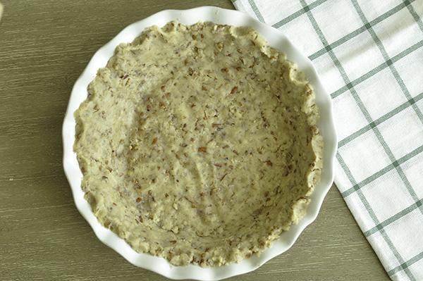 Sour Cream Lemon Pecan Pie_pressed crust.jpg