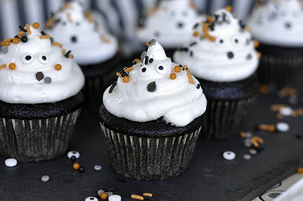 Chocolate Ghost Cupcakes_Bunch of ghosts.jpg