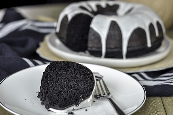 Black Cocoa Bundt Cake_Beauty Shot.jpg