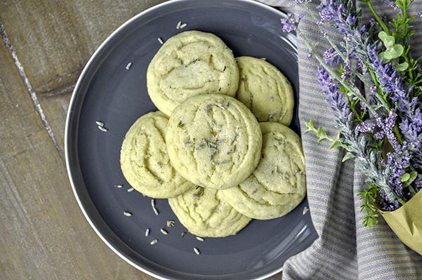 Lemon Lavender Sugar Cookies_unglazed on plate CU.jpg