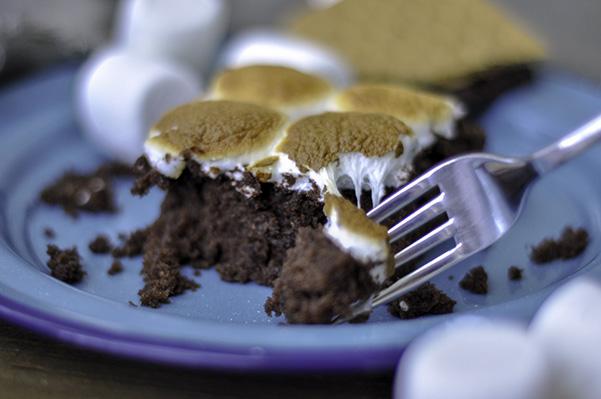 Campfire Snack Cake_Marshmallow pull 2.jpg