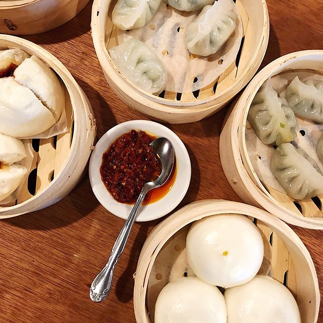 These are all that and dim sum #cbusfoodauthority ⠀⠀⠀⠀⠀⠀⠀⠀⠀ 🥟: steamed pork buns (left), shrimp and chive dumplings (top), and yolk juice buns (bottom) from @helenasiankitchen. They launched their new dim sum menu on Labor Day and it did not disappoint. Of all the dim sum I tried, my favorite was the steamed pork buns with BBQ pork stuffed in a fabulously fluffy doughy bun, YUM! Dim sum is such a fun way to share food with friends, so I can't wait to go back with a big group #hosted
