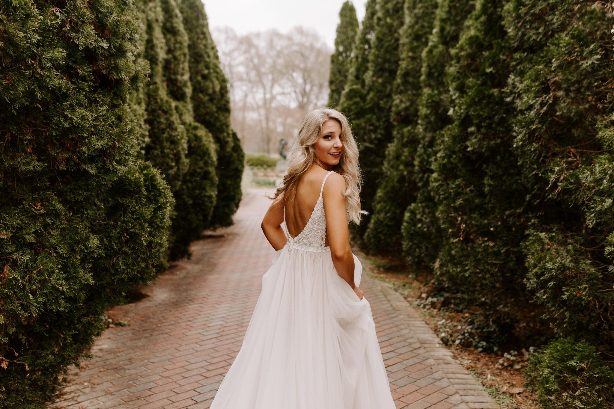 Memphis-botanic-garden-bride