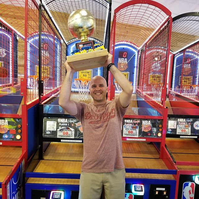 Congrats Ray! Eds Funcade winner of the 2018 NBA Hoops Live Championship. $500visa & The Golden Basket Ball Trophy. Get your chance in 2019 Sunday Labor Day Weekend. #summer #wildwood #nj #jerseyshore #boardwalk #giveaway #drawing #beach #skeeball #arcade #theshore #winner #eds #jackpot #NBA #hoops #champ #champion