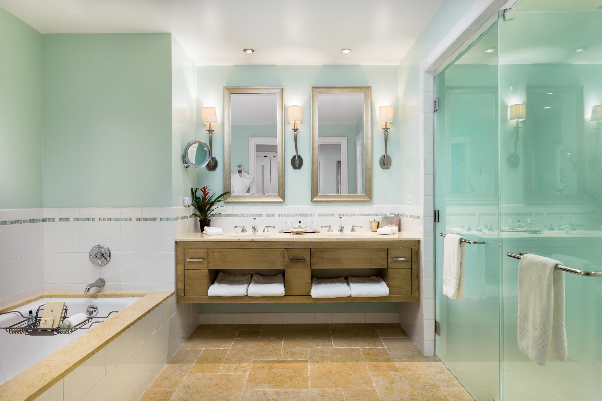 Terranea_Lobby_Suite_Bathroom.jpg