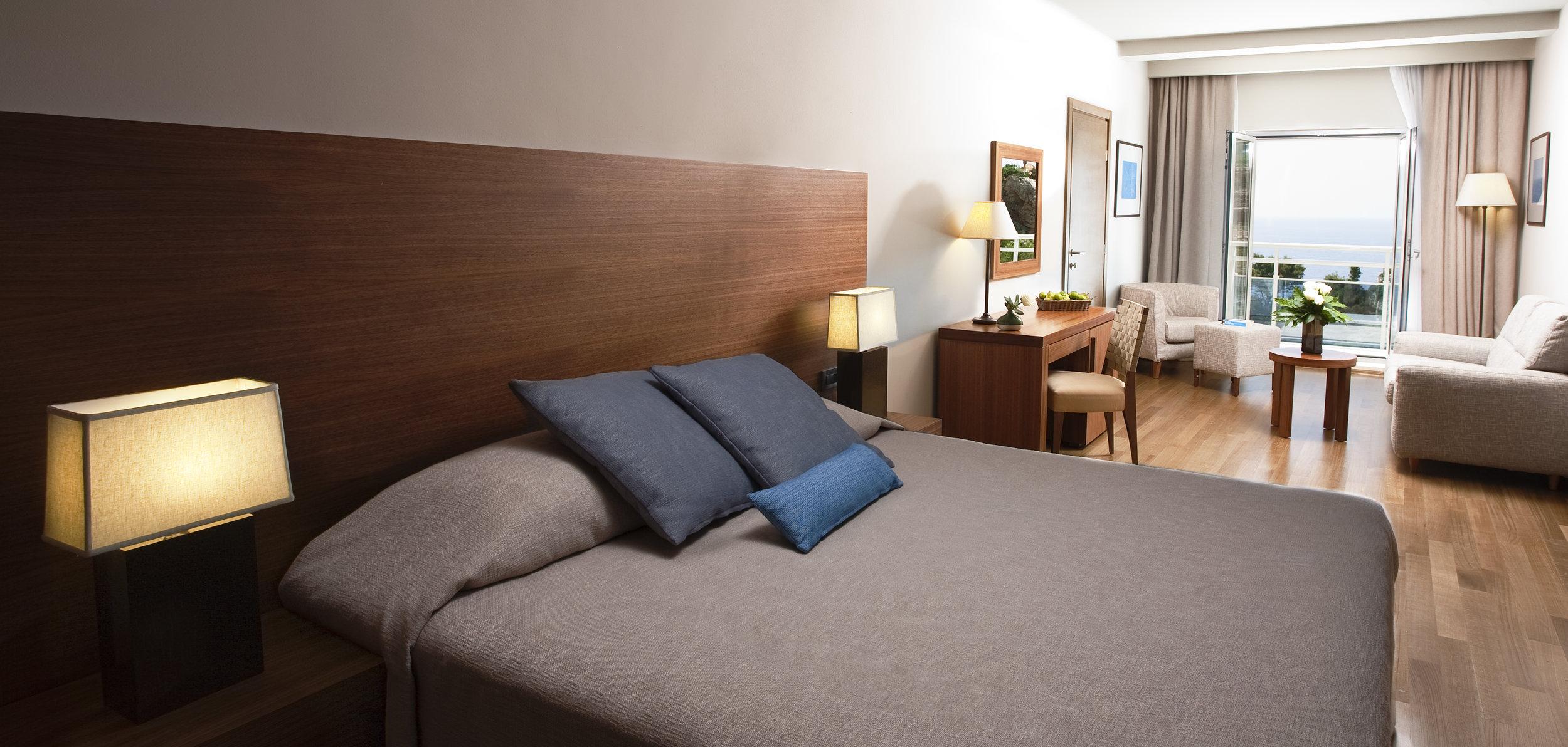 ALH bellevue deluxe room.jpg