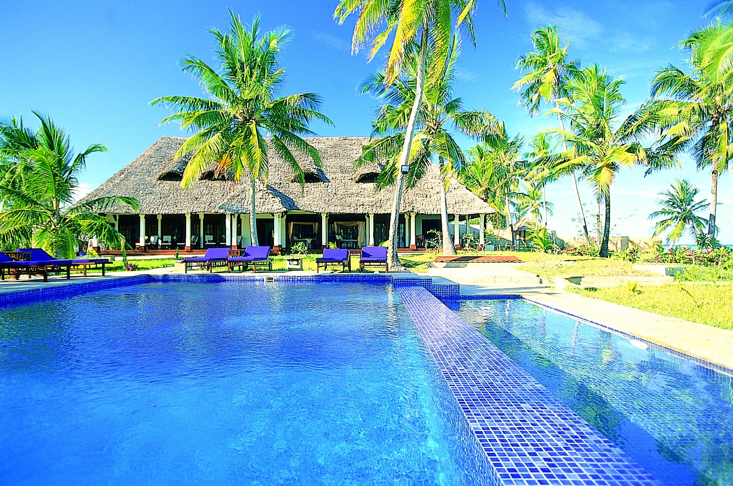 Palms-pool.jpg