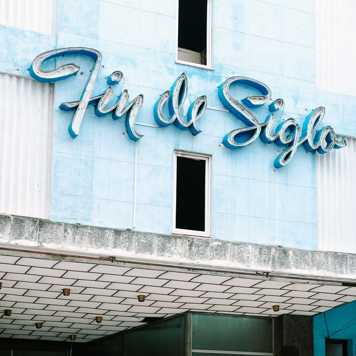 Comuna_Travel_Havana_Guide_Typography
