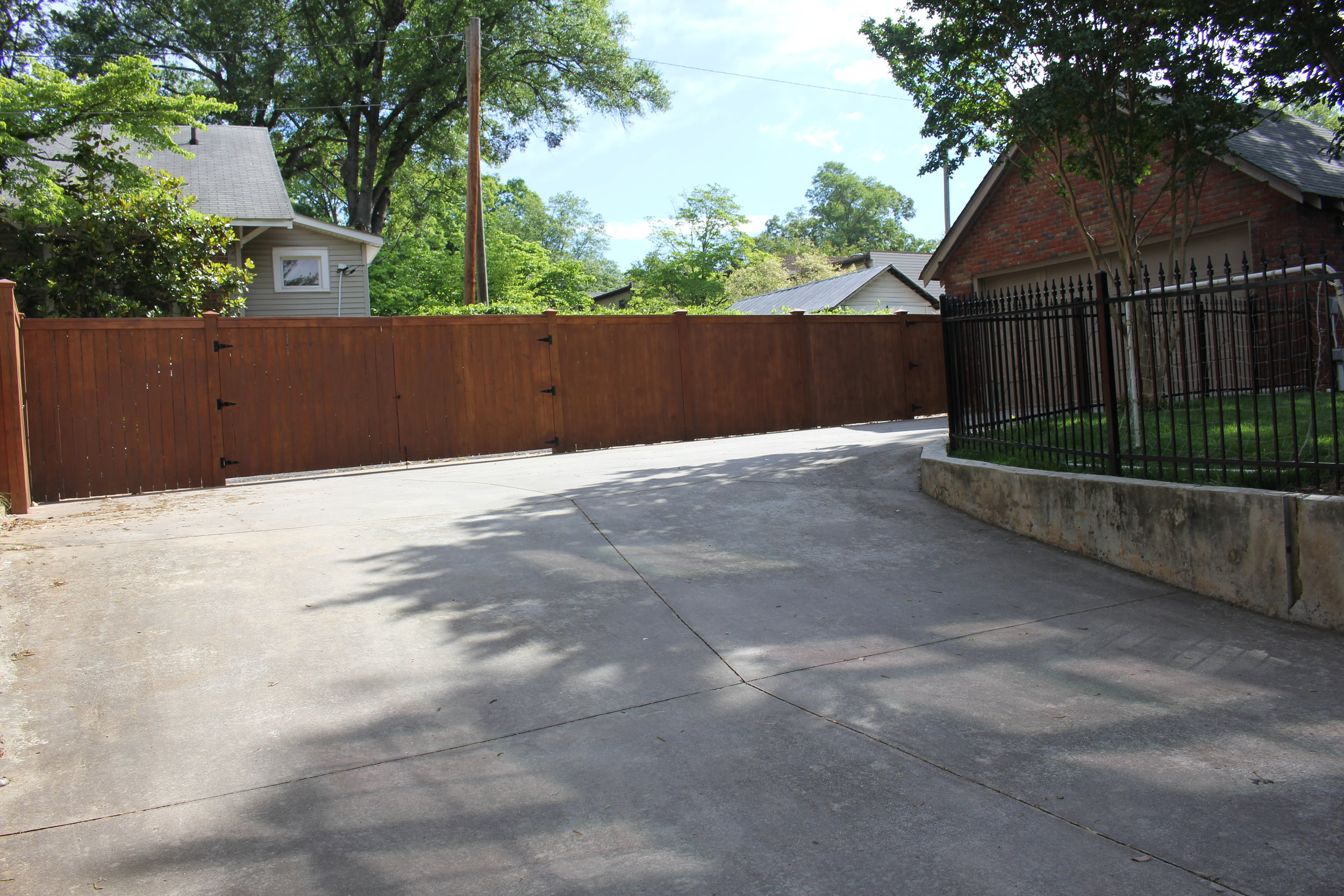 new fence pics 011.JPG