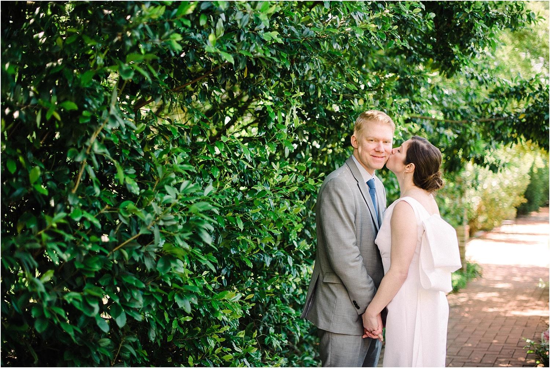Heather + Scott-Longue-Vue-house-and-gardens-black-tie-wedding-photos_Gabby Chapin_Print_0109_BLOG.jpg