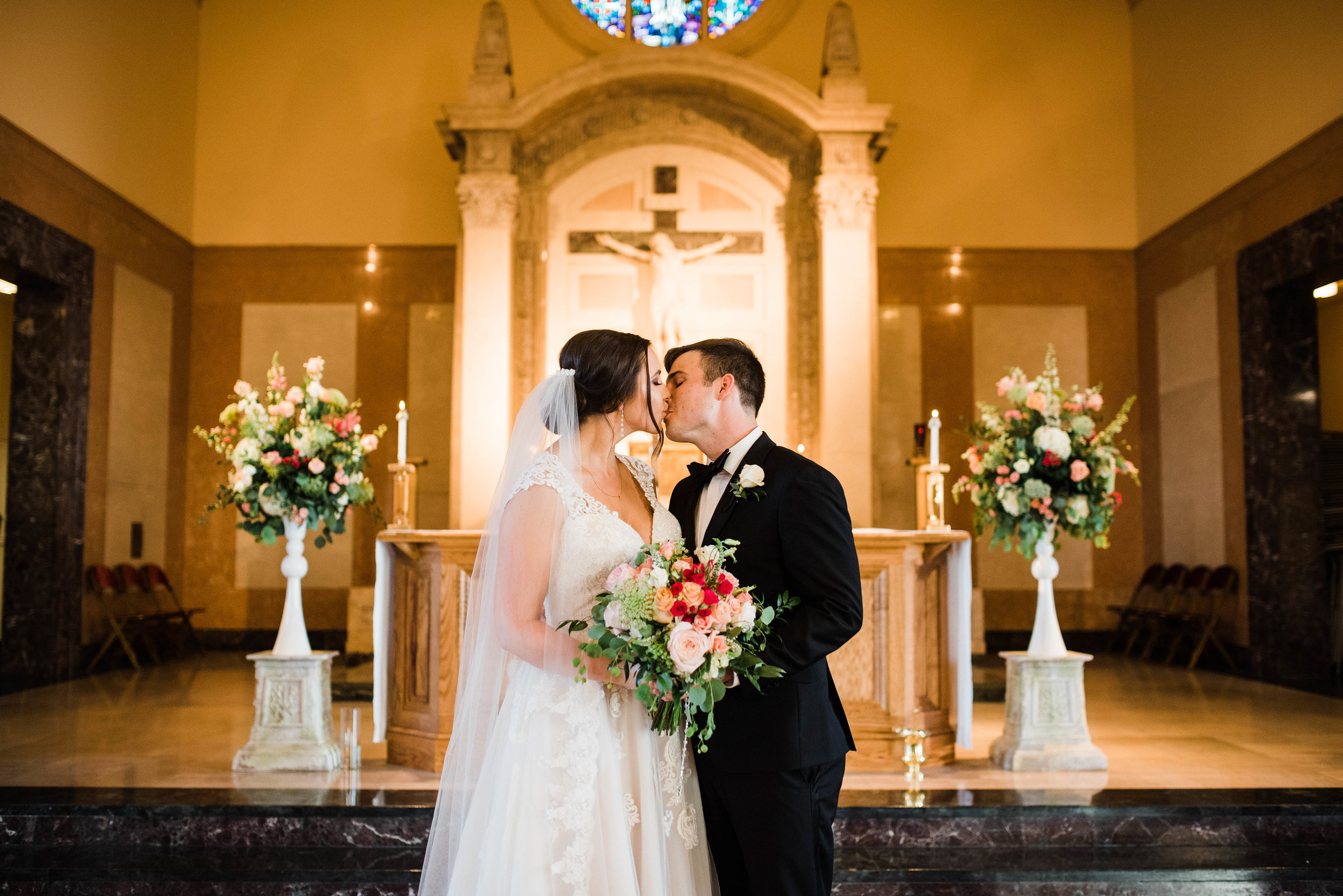 Aida + Cullen-Jesuit-High-School-Gretna-Cultural-Center-Wedding_Gabby Chapin Photography_0563.jpg