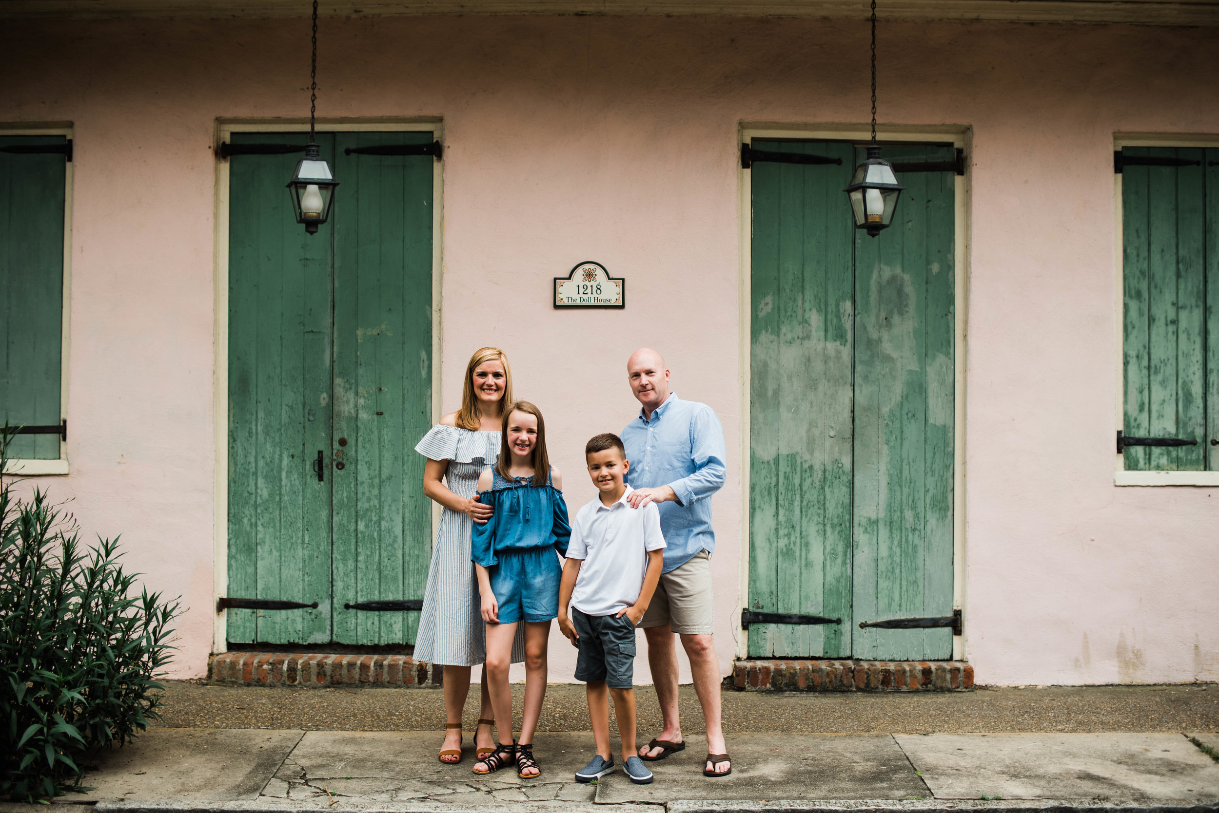 Conrad-Family-Photos-New-Orleans-French-Quarter_Gabby Chapin Photography_0135.jpg