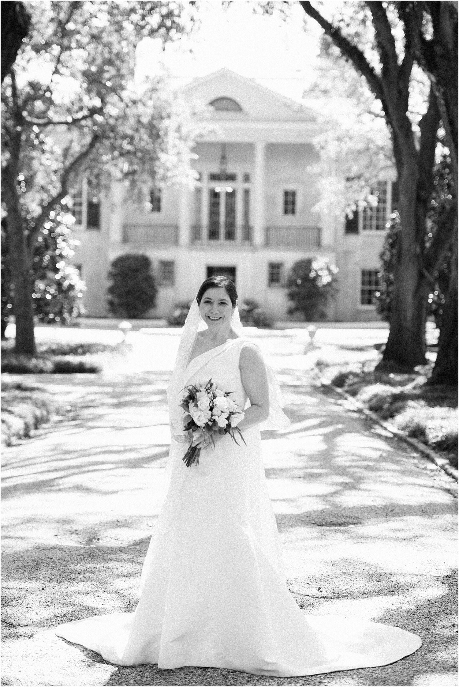 Heather + Scott-Longue-Vue-house-and-gardens-black-tie-wedding-photos_Gabby Chapin_Print_0024_BLOG.jpg