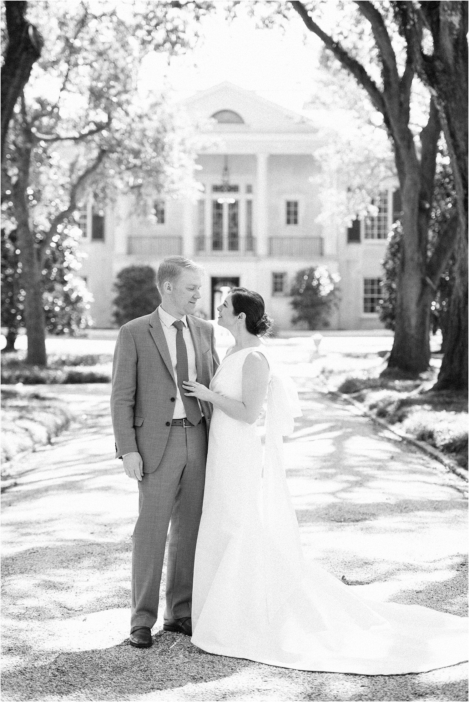Heather + Scott-Longue-Vue-house-and-gardens-black-tie-wedding-photos_Gabby Chapin_Print_0031_BLOG.jpg
