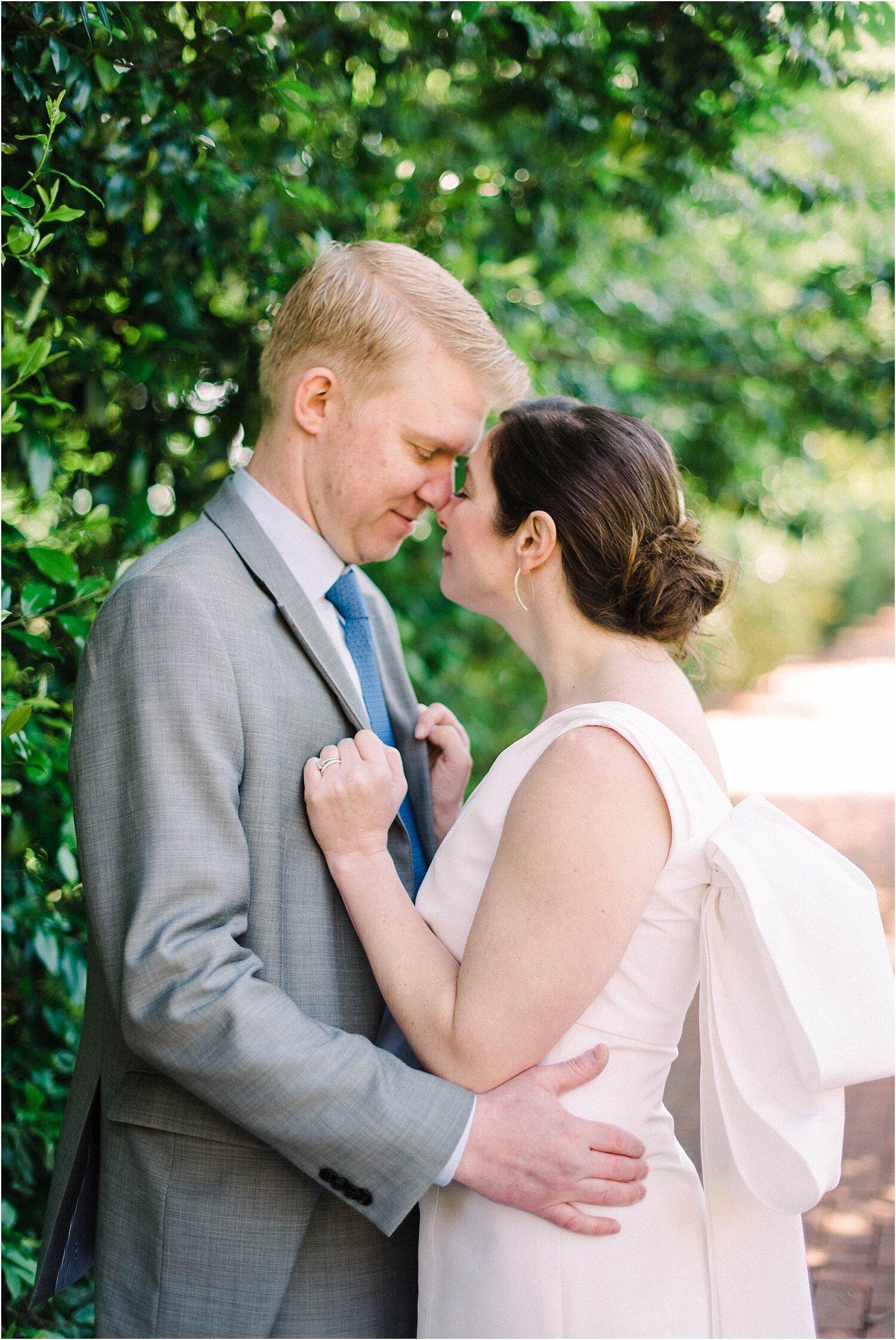 Heather + Scott-Longue-Vue-house-and-gardens-black-tie-wedding-photos_Gabby Chapin_Print_0120_BLOG.jpg