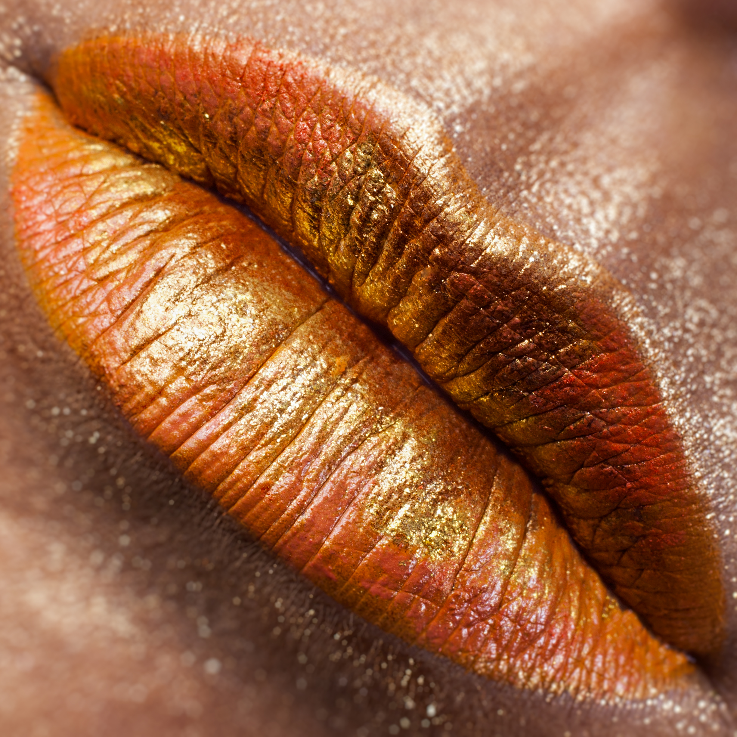 ALORA 010 - A bright zing of citrus zest, optimistic as a traveler at the start of a long journey; tangerine naiveté.