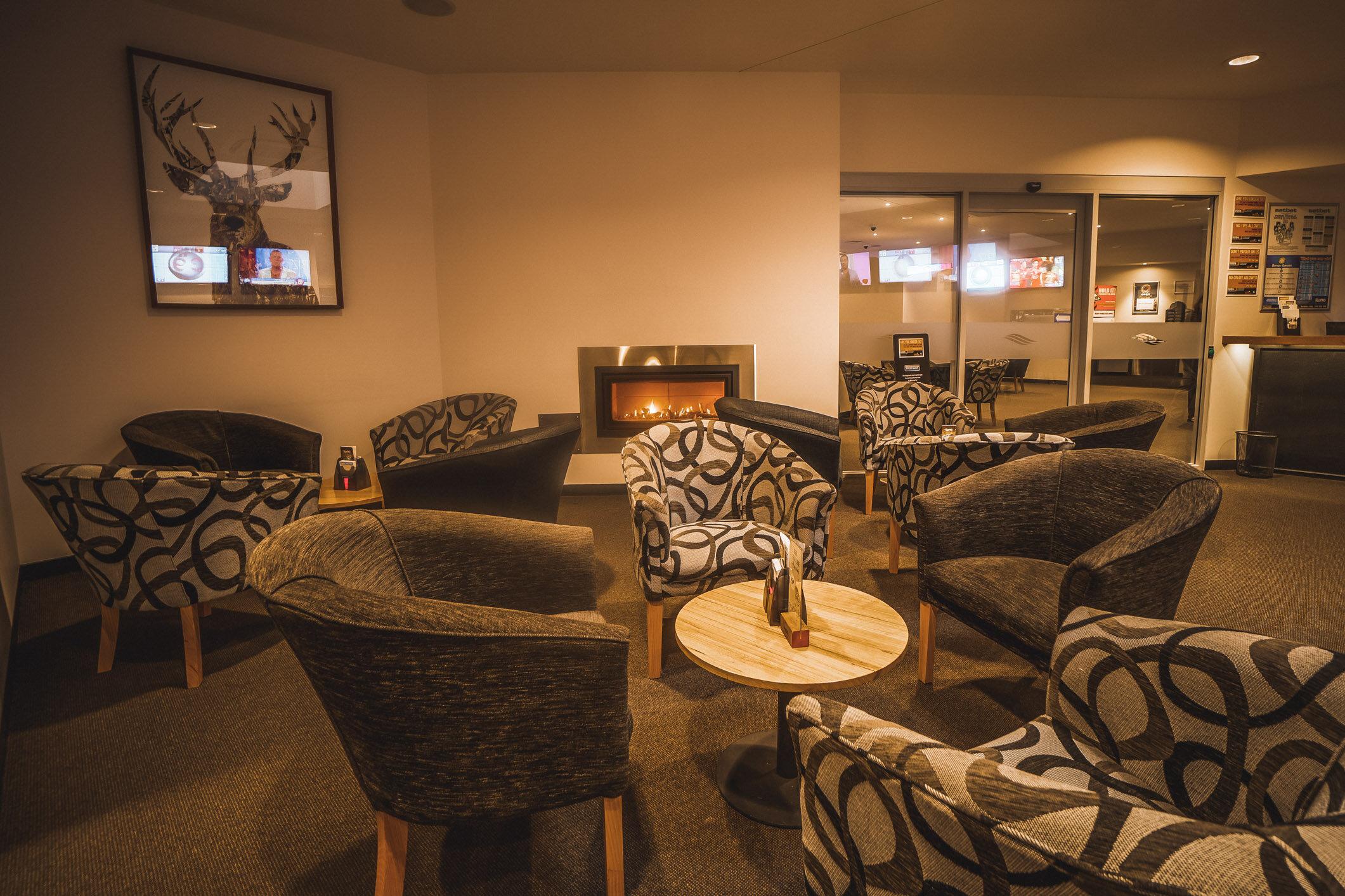 Risdon Brook Hotel (Web) (9 of 24).jpg