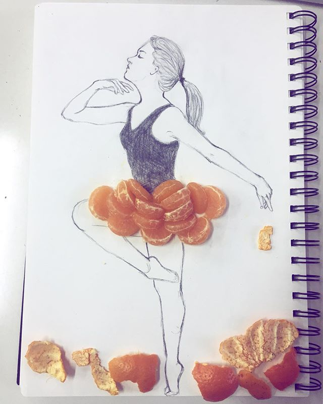 #31daysofdrawing  #day1  I realize the proportions are not quite right but it was fun experimenting with tangerines 🍊 #iszaf #art #drawing #mixedmedia #artist #illustration #tangerines #pencil #shenzhen #instadaily #instaart  #instaartist #exploration