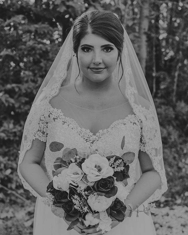 We have so many favorite shots from Sam + Brandon's October wedding, but these black and white portraits of Sam capture what a truly stunning bride she was! Excited to share more from their big day! • • • • #dekamstudios #indywedding #indyweddings #canon #lightroom #wedindy #weddingphotographer #thatsdarling #mrandmrs #indygrammers #igersindy