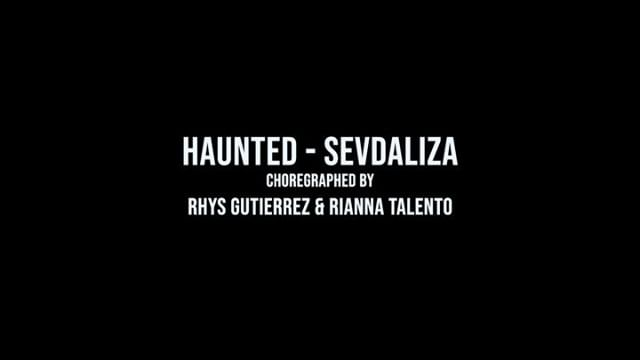 Don't sleep on these kids! @rhysmgutierrez and @rianna_talento created this spooky duo for our Halloween showcase! 👻 music: @sevdaliza_ • • • #illustrativesociety #studio604 #livetoillustrate