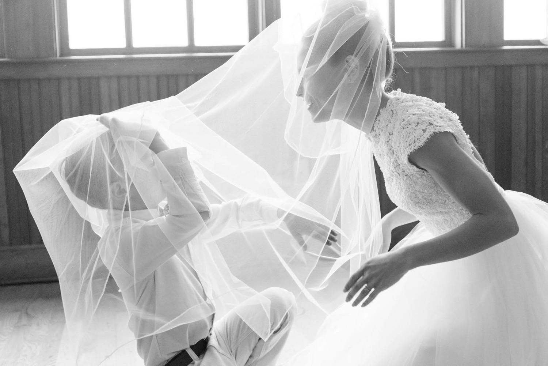 Stocking+Wedding+Blog+-+Blog+Brooke+Summers+Photography-7.jpg