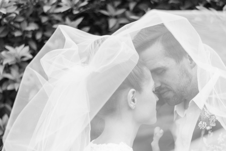 Stocking+Wedding+Blog+-+Blog+Brooke+Summers+Photography-12.jpg