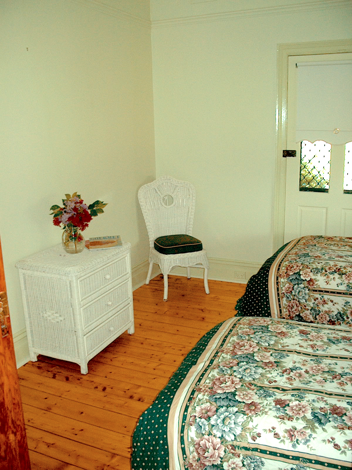 Wombat Cottage bedroom.jpg