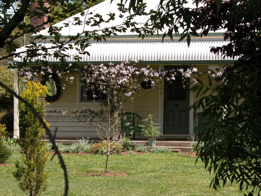 Farm House Armidale002.JPG