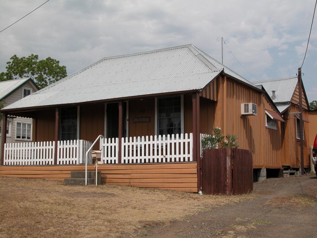 Old Cottage Tinonee.JPG