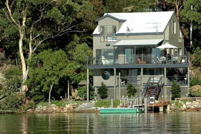 Hawkesbury River Home ext01, GCC.jpg