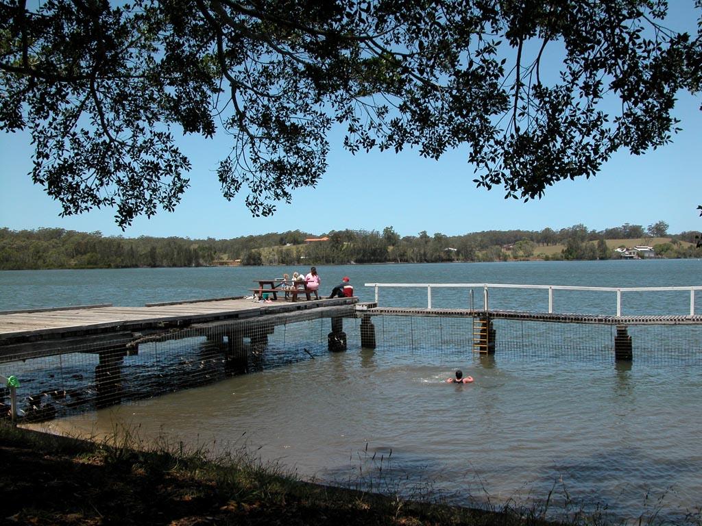 Croki Pool on Manning River 1.JPG