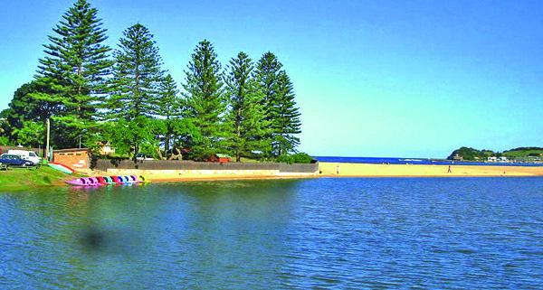 Terrigal lagoon beach.jpg