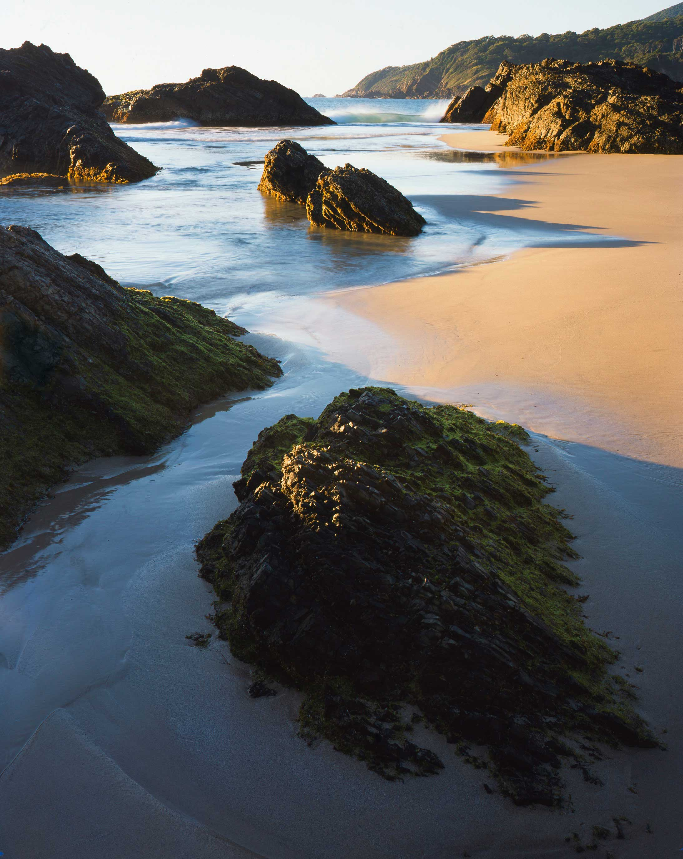 rock-formations-low-tide-burgers-beach.jpg